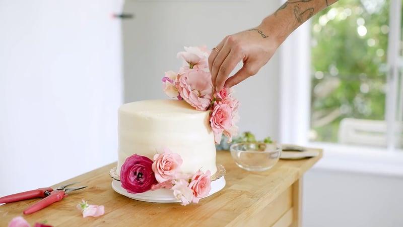 anthony-maslo-wedding-cake-flowers-5