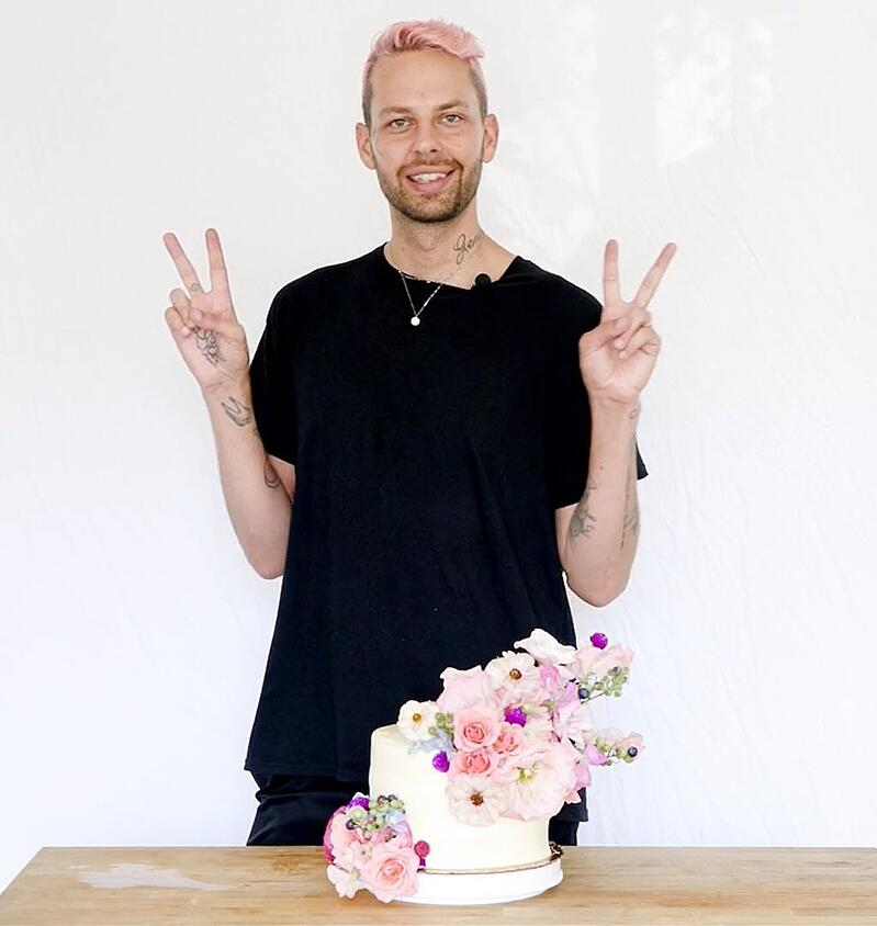 anthony-maslo-wedding-cake-flowers-8