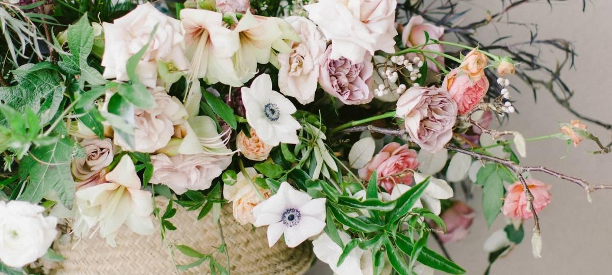 Mayesh Design Star: Garden Wild Statement Arrangement