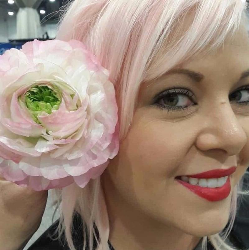 Mayesh Luxe Blooms Japanese Ranunculus