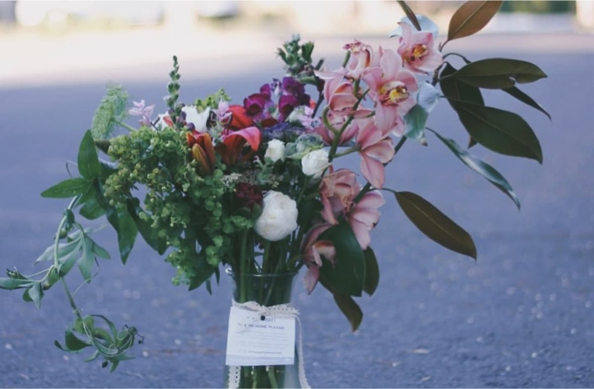 Mayesh Lonely Bouquet 2017