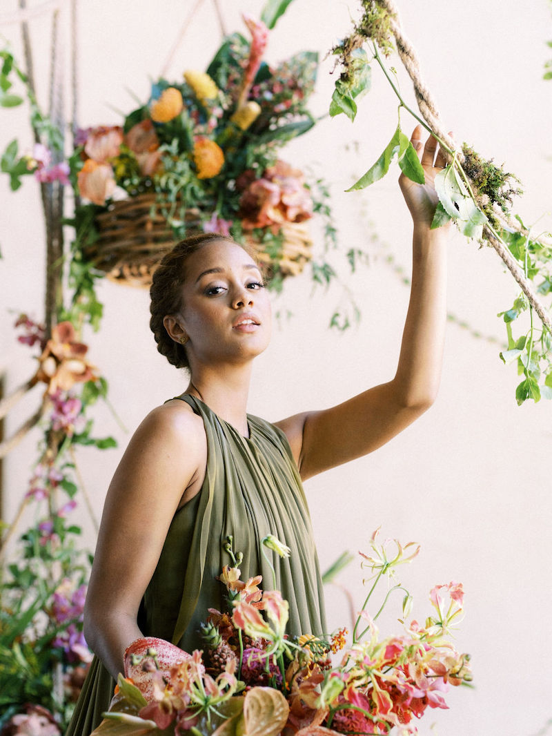 Professional model with Shean Strong's bouquet at the Mayesh Design Star workshop in Austin TX